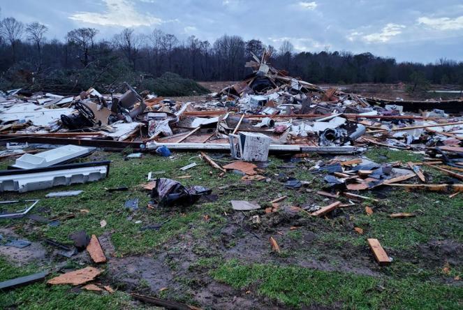 La scuola della Louisiana distrutta dal tornado (Foto dal profilo Facebook del Bossier Parish Sheriff's Office)