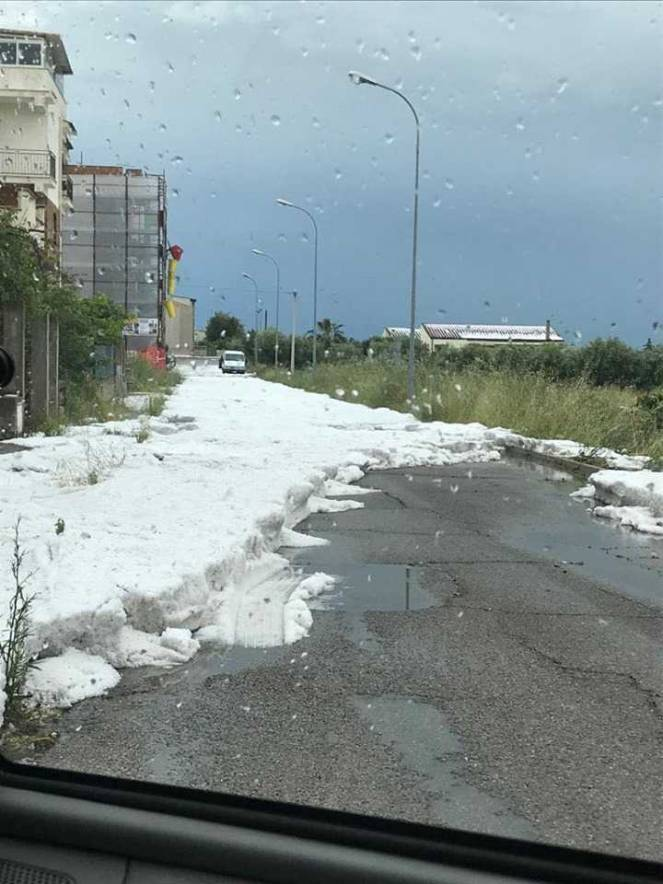 La violenta grandinata di Pisticci (MT) foto da severe weather autore Gabriele Lopatriello