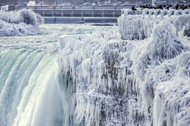 Le Cascate del Niagara sono completamente gelate