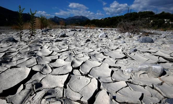 Cambiamenti climatici l 39 europa del futuro dovr - Letto di un fiume in secca ...