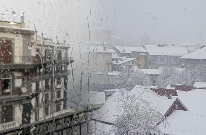 Maltempo invernale sull Italia con pioggia in pianura e neve fino a quote collinari