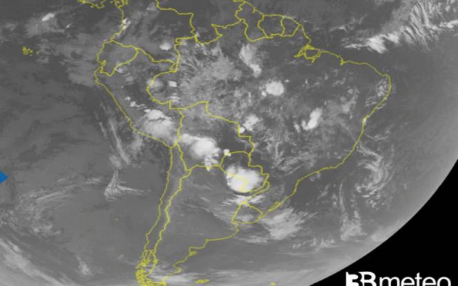 maltempo sull America del Sud