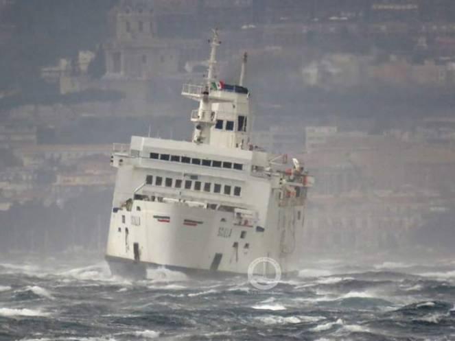 Mare in burrasca. Disagi tra le due Isole Maggiori e sul basso Tirreno
