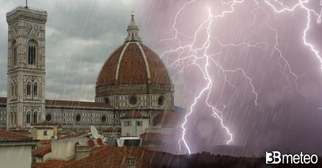 Meteo, ancora maltempo su mezza Italia con pioggia, temporali e grandine