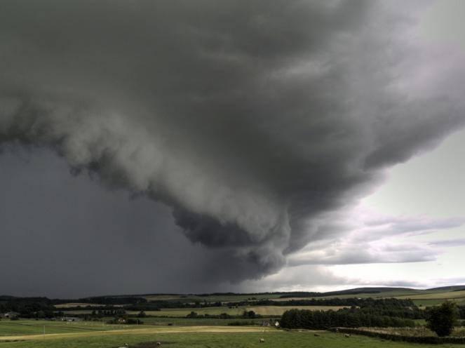 Dopo il caldo arrivano i temporali (con allerta grandine)