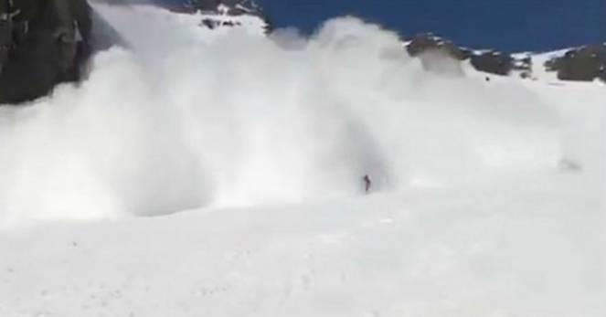 METEO Pericolo valanghe sulle Alpi