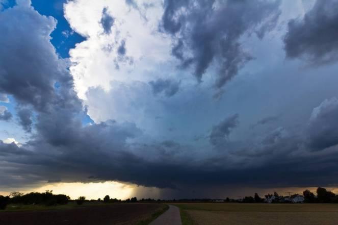 Meteo: temporali e acquazzoni nelle prossime ore, ecco dove