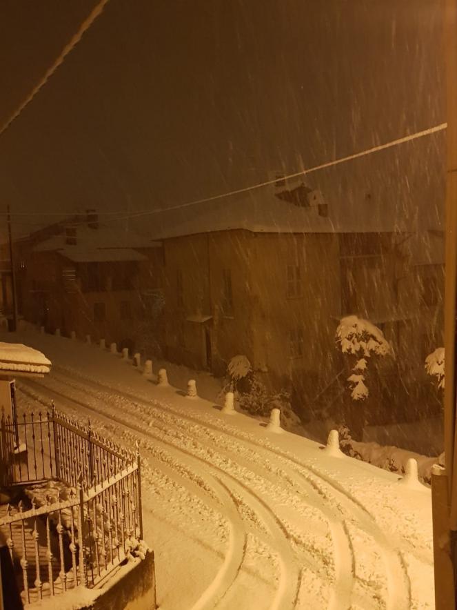 Neve copiosa a Vicoforte Mondovì (CN)