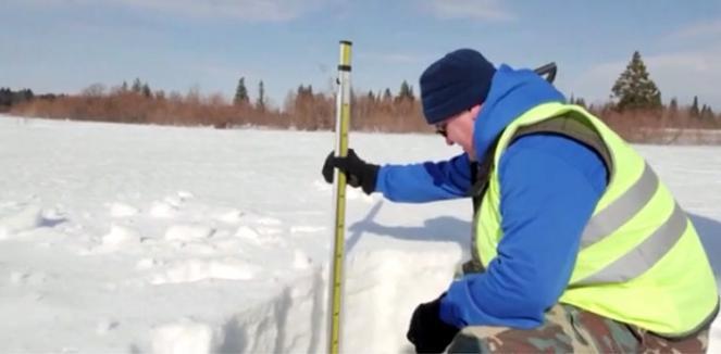 Neve e plastica trovate insieme in Siberia