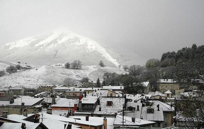 Neve in arrivo anche in collina al Sud, Abruzzo. Immagine di repertorio da Pescasseroli