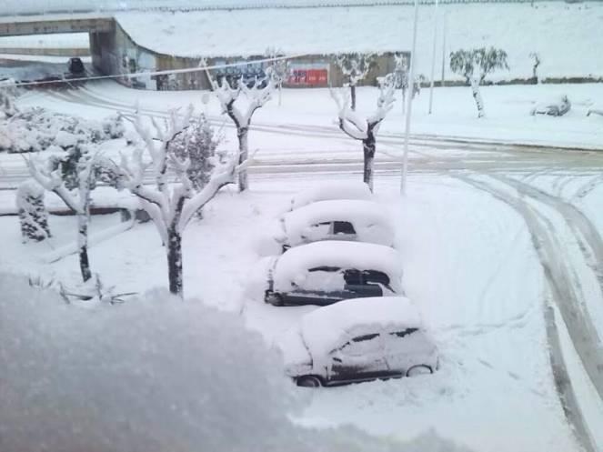 Nevicate ingenti a Polignano a Mare, sul litorale Barese