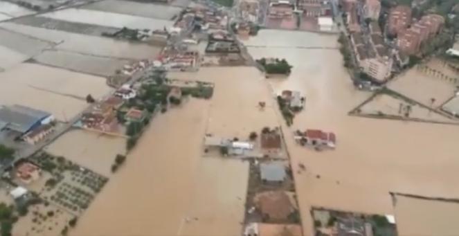 Orihuela alluvionata vista dall'elicottero