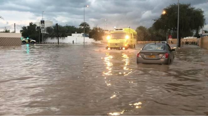 Piogge alluvionali colpiscono la Penisola Arabica (Oman)