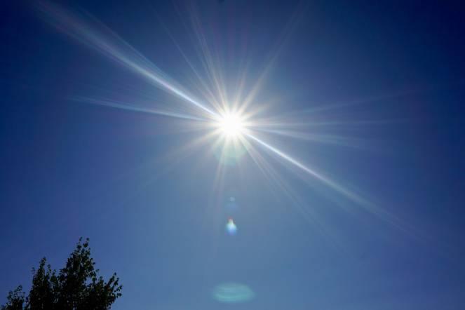 Sole intenso in questi giorni: attenzione alle scottature