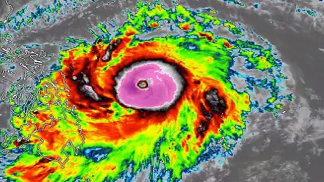 Surigae è ora supertifone sul Pacifico Occidentale