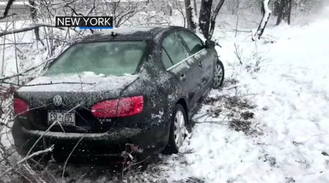 Allerta Blizzard negli USA: la costa nord-orientale sotto una tempesta di neve
