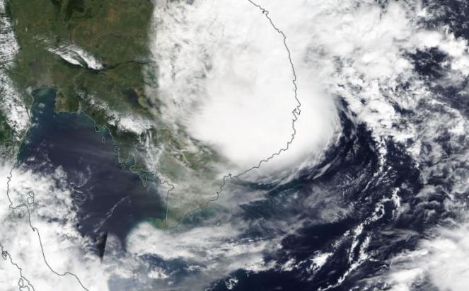 Tempesta tropicale Etau colpisce il Vietnam