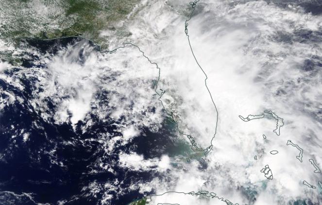 Tempesta tropicale in azione sulla Florida