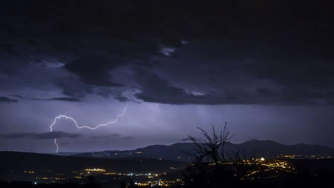 Meteo,cicloni e forti temporali su tutta la Penisola fino al weekend