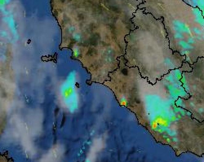 Tipico temporale sui Monti della Tolfa, a ridosso di Civitavecchia (RM) - Immagine Radar Protezione Civile.