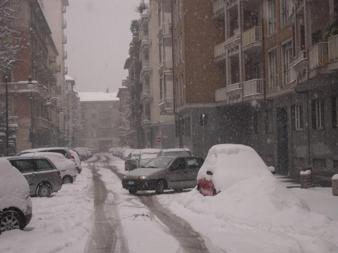 Torino, febbraio 2012: una massiccia irruzione gelida russo-siberiana agguanta la Pianura Padana e crea un solido cuscinetto freddo nei bassi strati