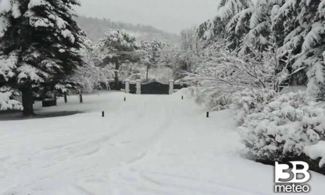 Torna la neve fino a quote collinari in Appennino