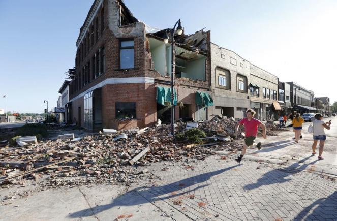 tornado investe Marshalltown nell'Iowa (USA)