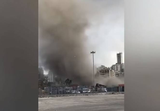 Tornado si abbatte su Beirut