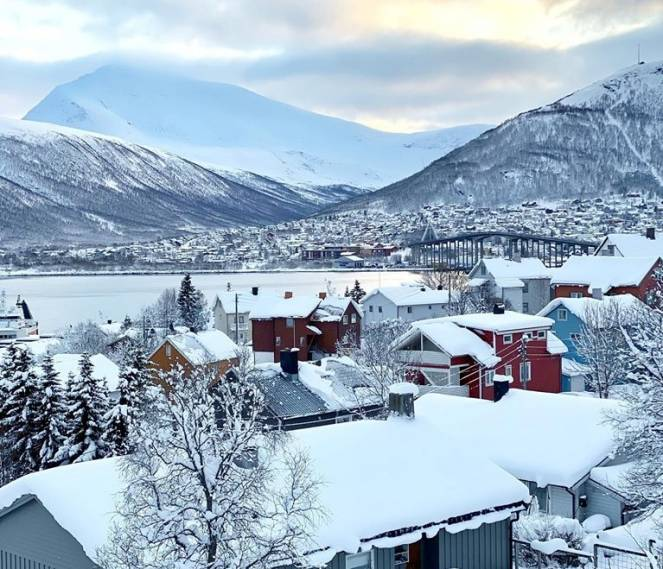 Tromso dopo l'intensa nevicata (Fonte immagine: Tromsolove via Facebook)