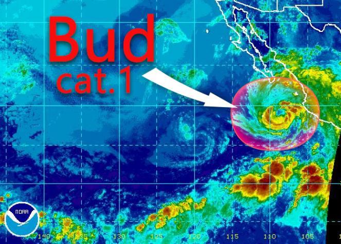 Uragano Bud si avvicina al Messico