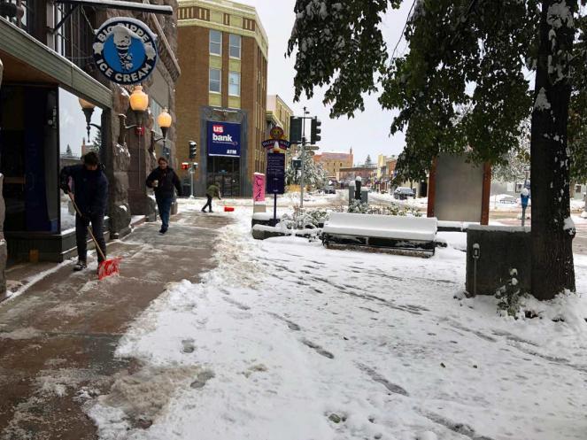 USA: Ancora gelo e neve su mezzo Paese