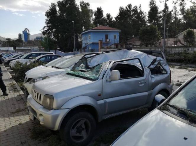 Venti forti e danni in tutta Italia, quattro feriti (fonte ansa)