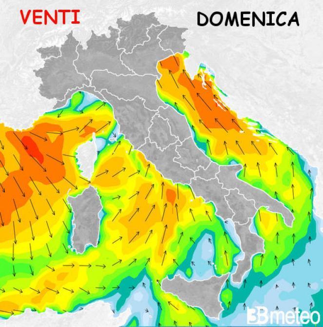 Acqua alta a Venezia: codice giallo per marea sostenuta