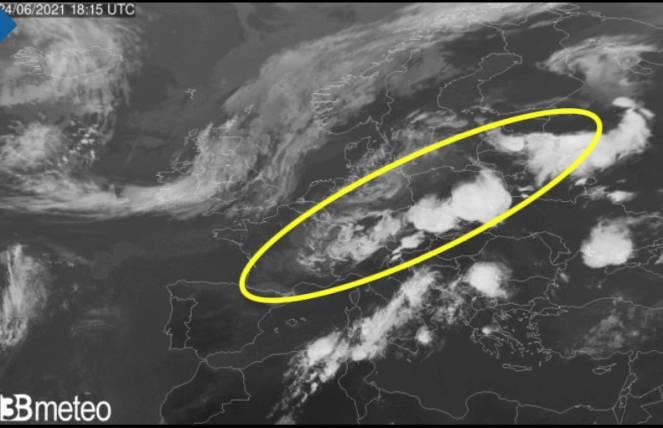 Meteo. Tornado nella Repubblica Ceca, ingenti danni a Hodonín, VIDEO