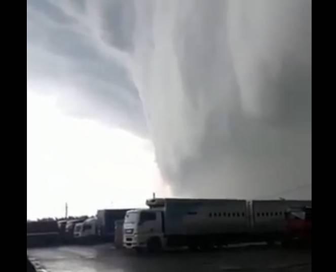 Violento temporale si abbatte su Mosca