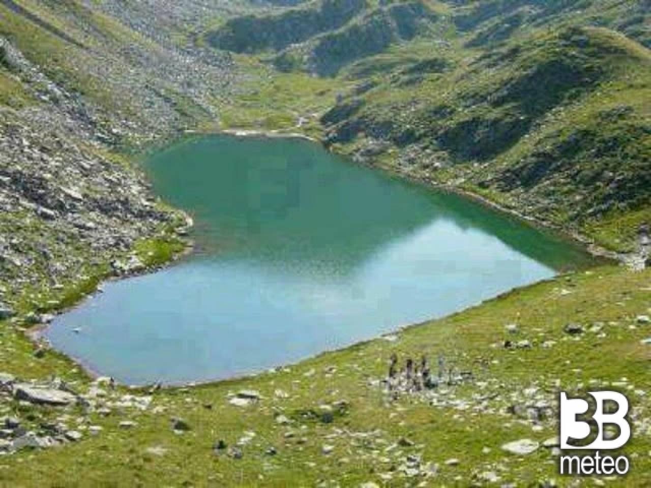 Lago a forma di cuore foto gallery 3b meteo - Lago lungo bagno di romagna ...