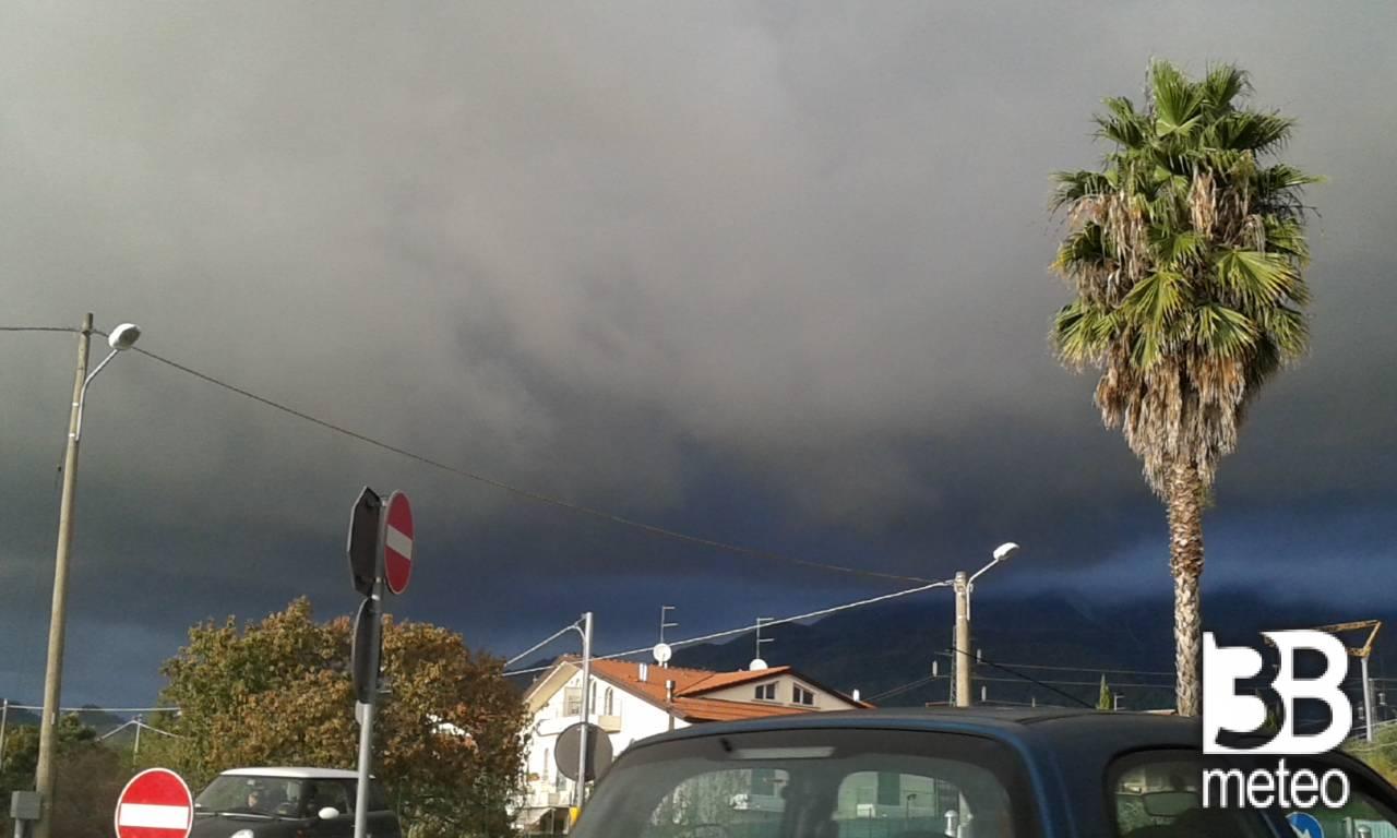 Meteo Massa: piogge fino a martedì, qualche possibile rovescio mercoledì - 3bmeteo