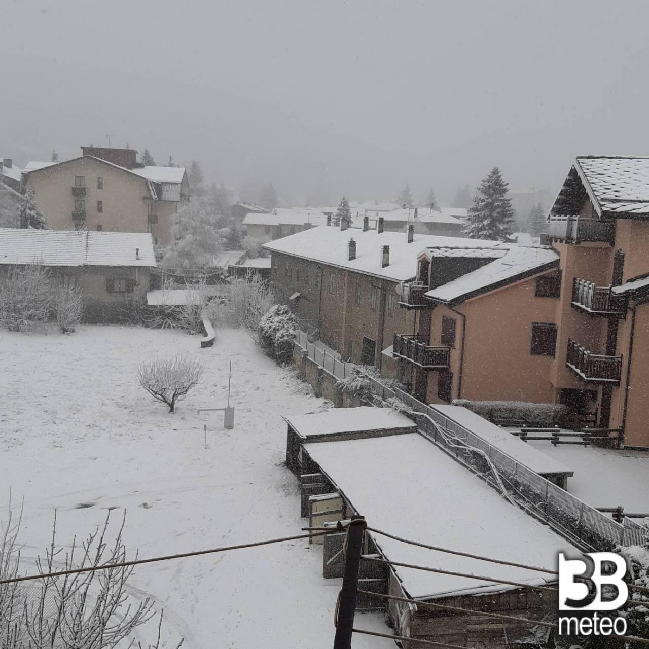 Nevicata sino ad ora 3 cm