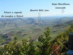 Le Langhe, Barolo e le Alpi Marittime viste dal belvedere di La Morra