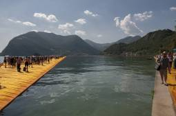 THE FLOATING PIERS LA PASSERELLA DI CHRISTO SUL LAGO D'ISEO