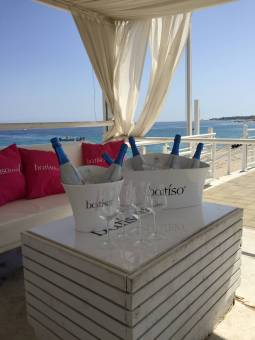 Prive ' batiso mama s beach club