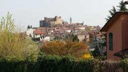 Montemagno paese