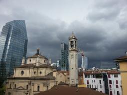 Meteo Milano: bel tempo lunedì, qualche possibile rovescio martedì, bel tempo mercoledì