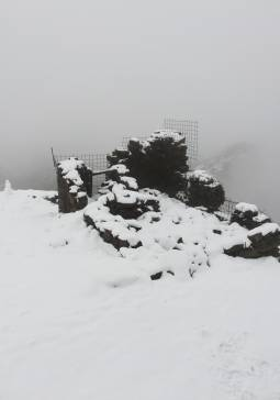 Prima neve sul rifugio mantova
