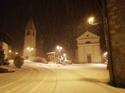 Neve in piazza caralte