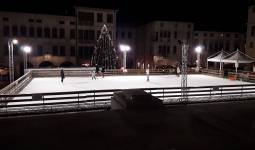 Piazza cima on ice