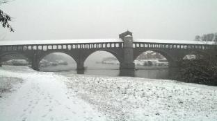 Ponte coperto imbiancato