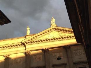 Contrasto di colori a Palazzo Mina Bolzesi