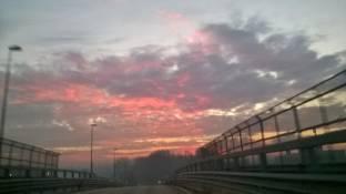 rosso mattina pioggia lontana