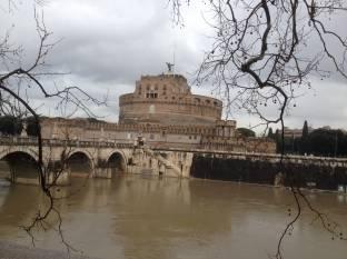 Meteo Roma: piogge domenica, qualche possibile rovescio lunedì, molte nubi martedì